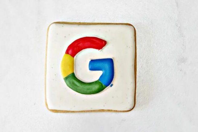 """跨设备和广告格式显示的Google报告的搜索字词""""显着""""下降[报告]"""